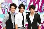 Image 3: Jonas Brothers on the red carpet