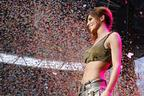 Image 9: Cheryl Cole on Stage
