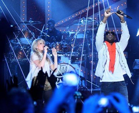 Tinie Tempah and Ellie Goulding perform live