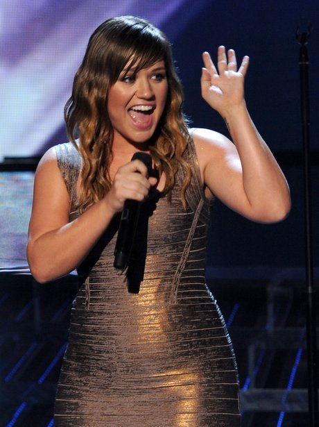 Kelly Clarkson live on stage