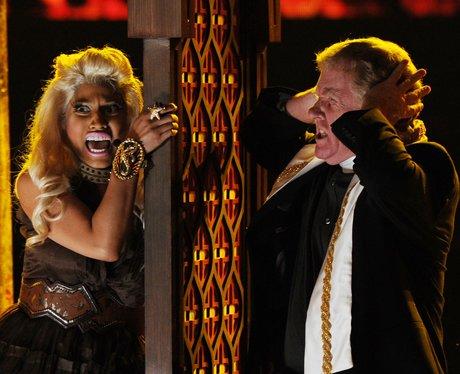 Nicki Minaj performs at Grammy Awards 2012