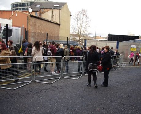 Olly meets the fans