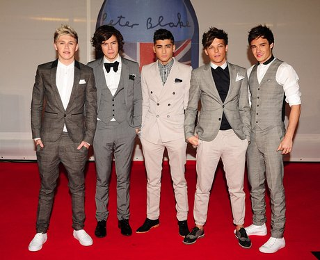 One Direction wearing suits at BRIT Awards