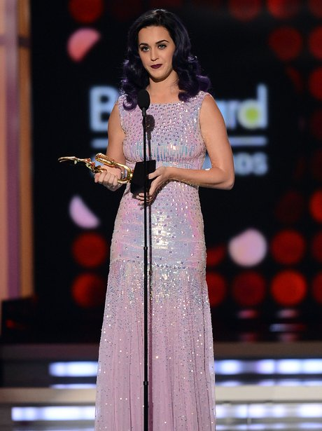 Laty Pery accepts her award at the 2012 Billboard
