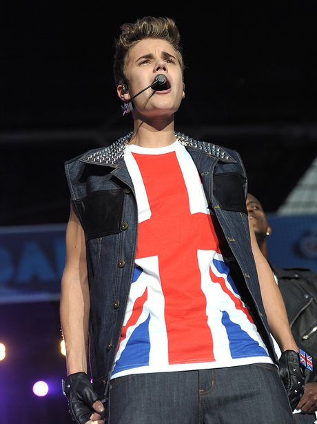Justin Bieber live at the Summertime Ball 2012