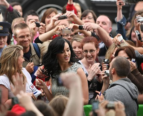 katy Perry with fans