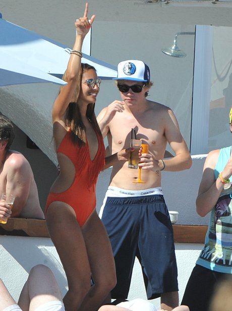 Niall Horan with girl