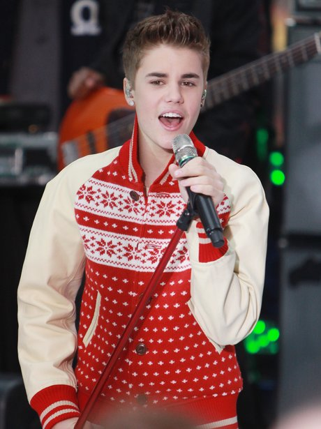 Justin Bieber sings live