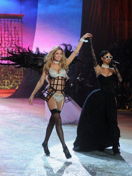 Rihanna 2012 victoria's secret Fashion Show