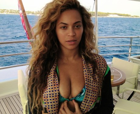 Beyonce wearing a bikini on holiday