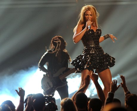 Beyonce performs at the  Grammys 2010