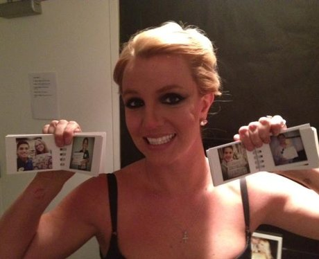 Britney Spears shows off family pictures