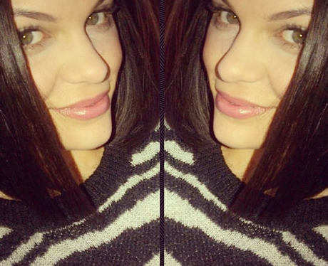 Jessie J posing on Twitter