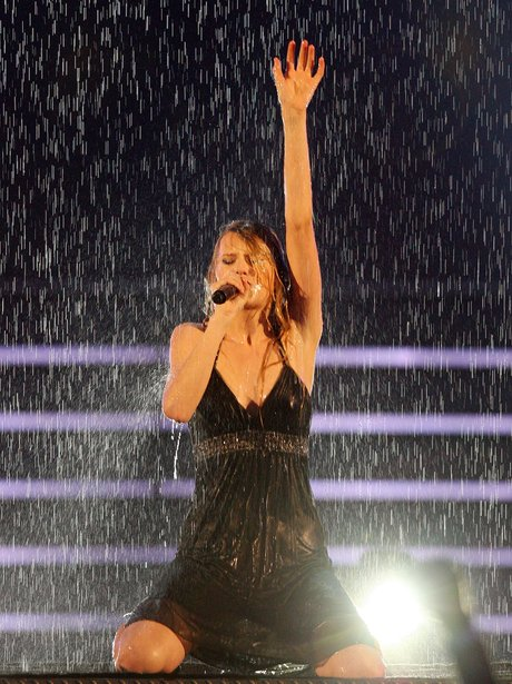 Taylor Swift performs at the Country Music Awards 2008
