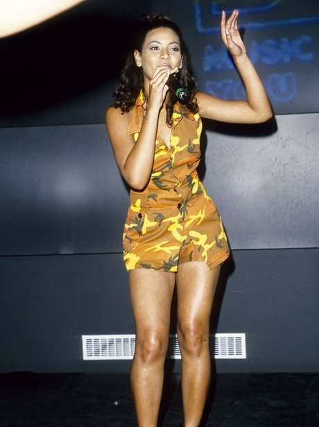 Beyonce on stage when she was young
