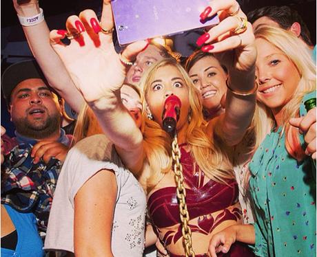 Rita Ora selfie