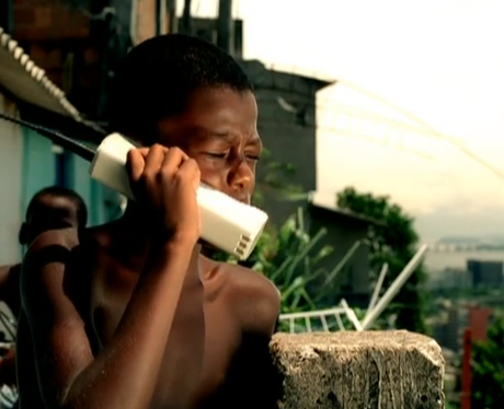 Classic mobile phone in Snoop Dogg music video
