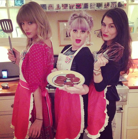 Taylor Swift and Kelly Osbourne instagram