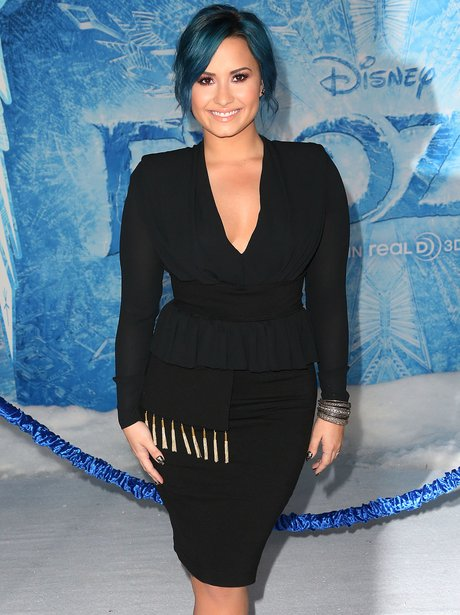 Demi Lovato at the Frozen premiere