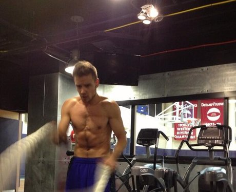 Liam Payne working out in the gym