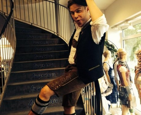 Olly Murs dressed up on Twitter