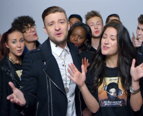 Justin Timberlake singing with a group