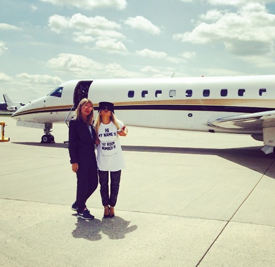 Rita Ora plane