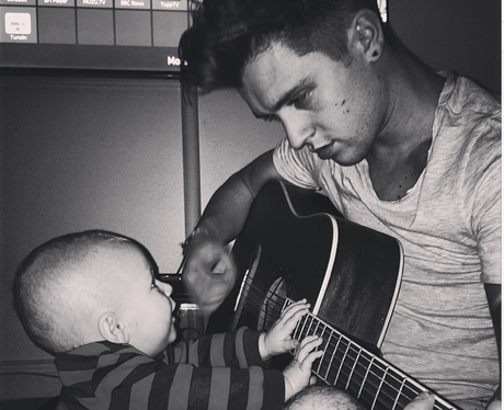 JJ Hamblett and Baby Guitar