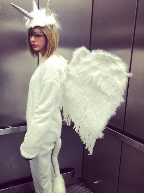 Taylor Swift dressed as a unicorn for Halloween