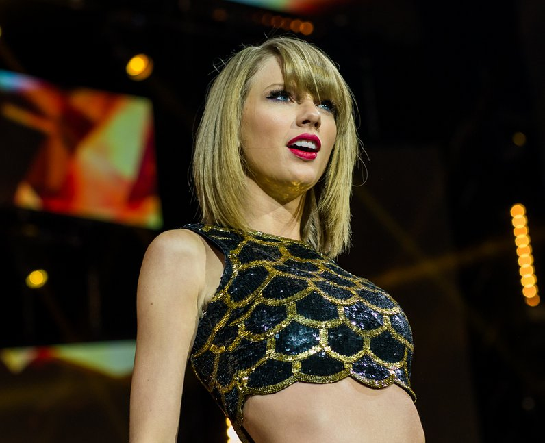 Taylor Swift Jingle Bell Ball 2014