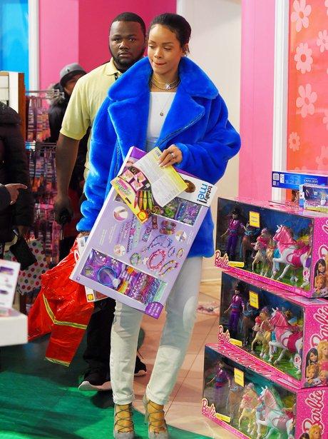 Rihanna christmas shopping