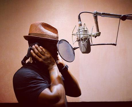 Ne Yo in the studio
