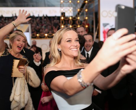 Reese Witherspoon takes a selfie