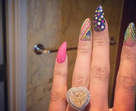 Nicki Minaj diamond ring