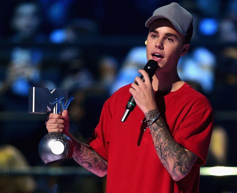 Justin Bieber MTV EMA's 2015 Show