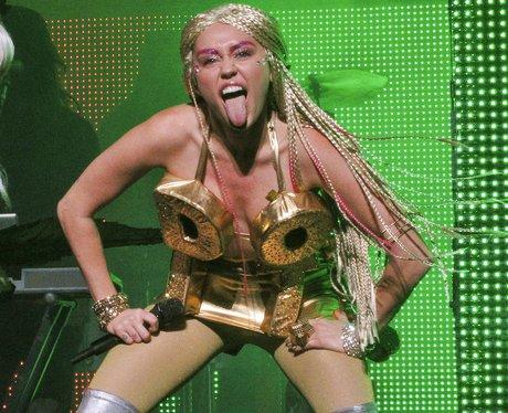 Miley Cyrus Milky Milky Milk tour 2015