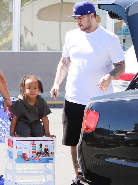 Rob Kardashian takes Blac Chyna's son out
