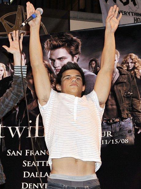 16 Pics Of Taylor Lautner S Insane Body Transformation