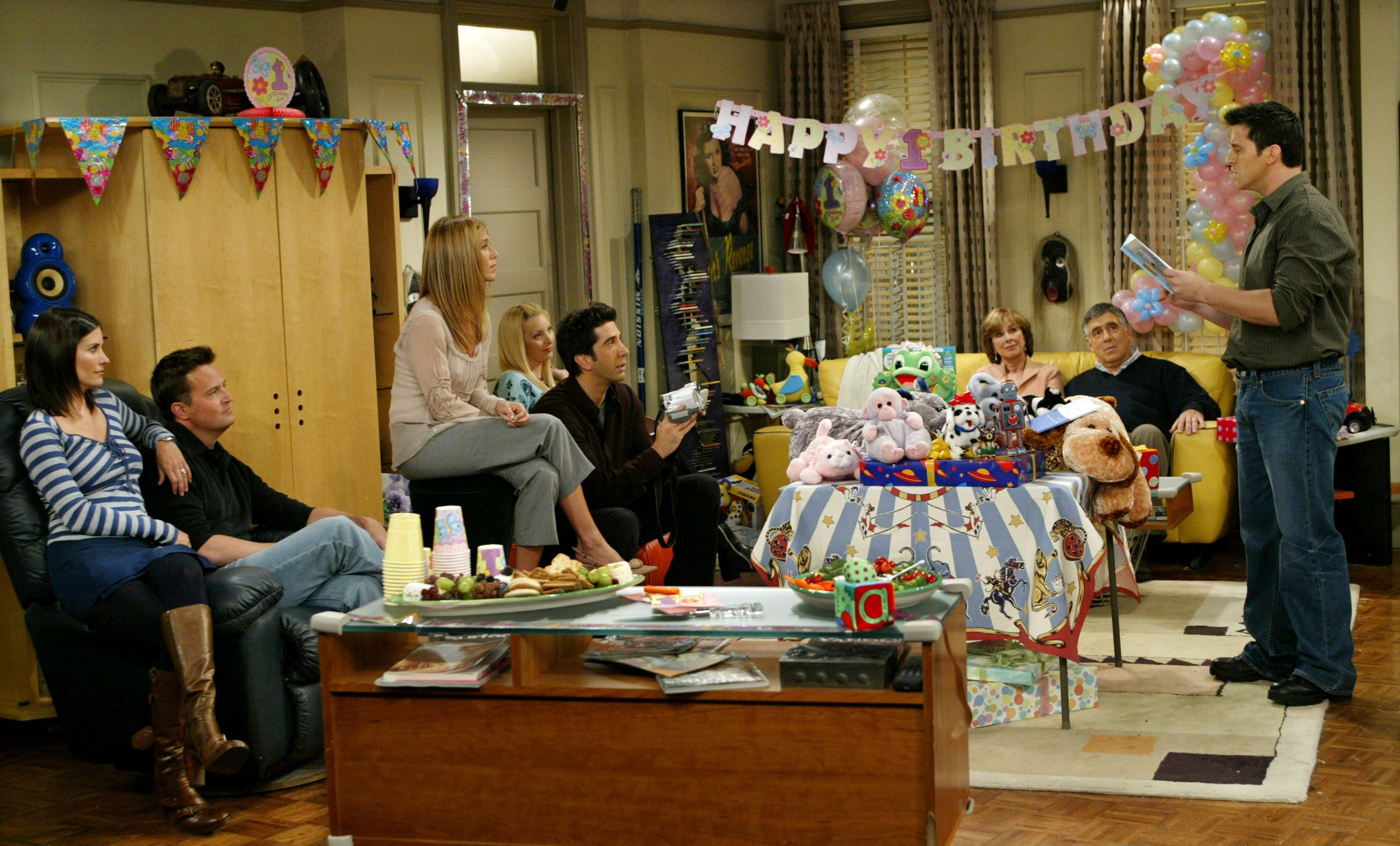 Chandler Bing's apartment FRIENDS