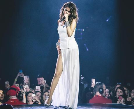 Selena Gomez looks amazing on tour