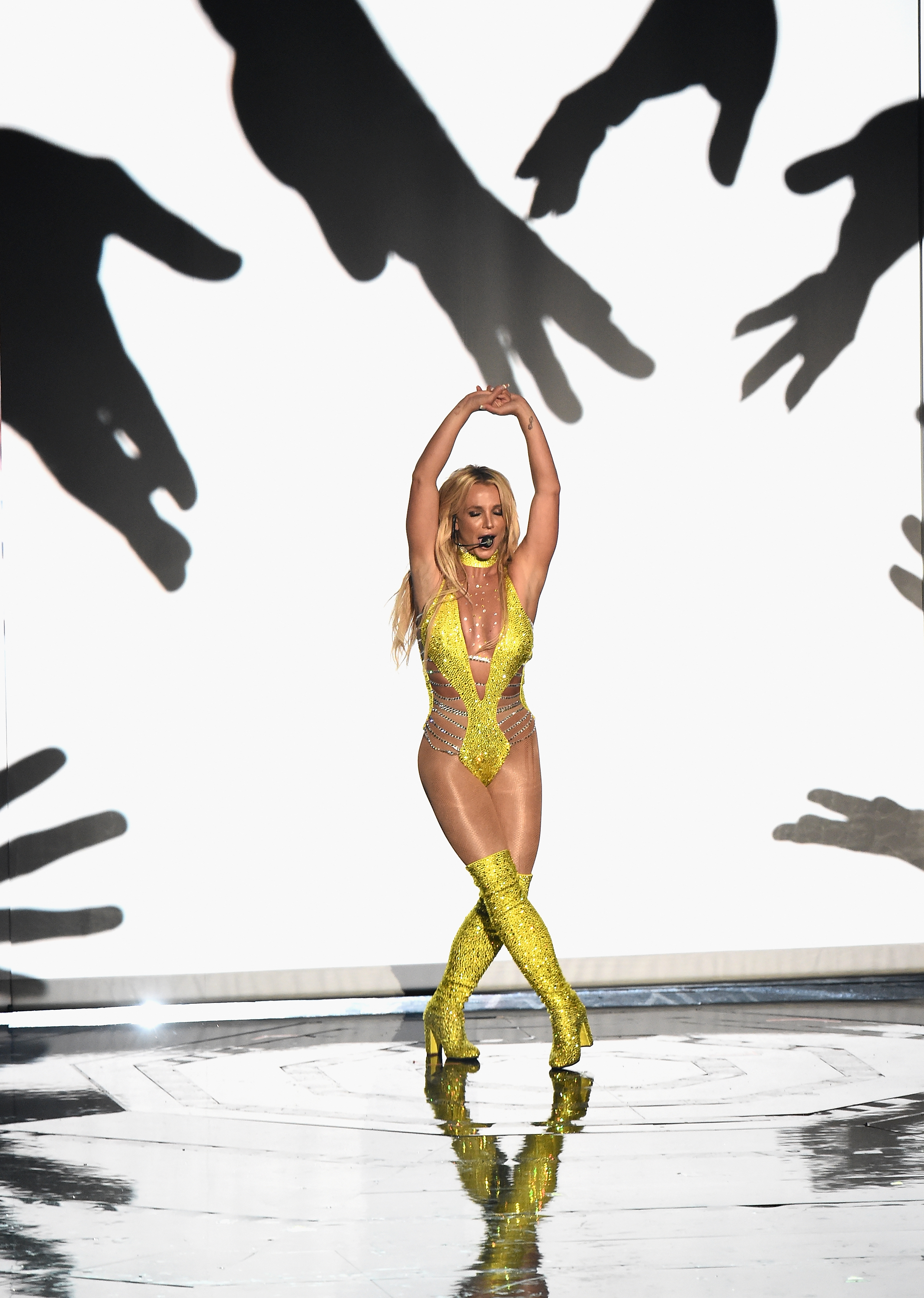 Britney Spears Performing Live MTV VMAs 2016