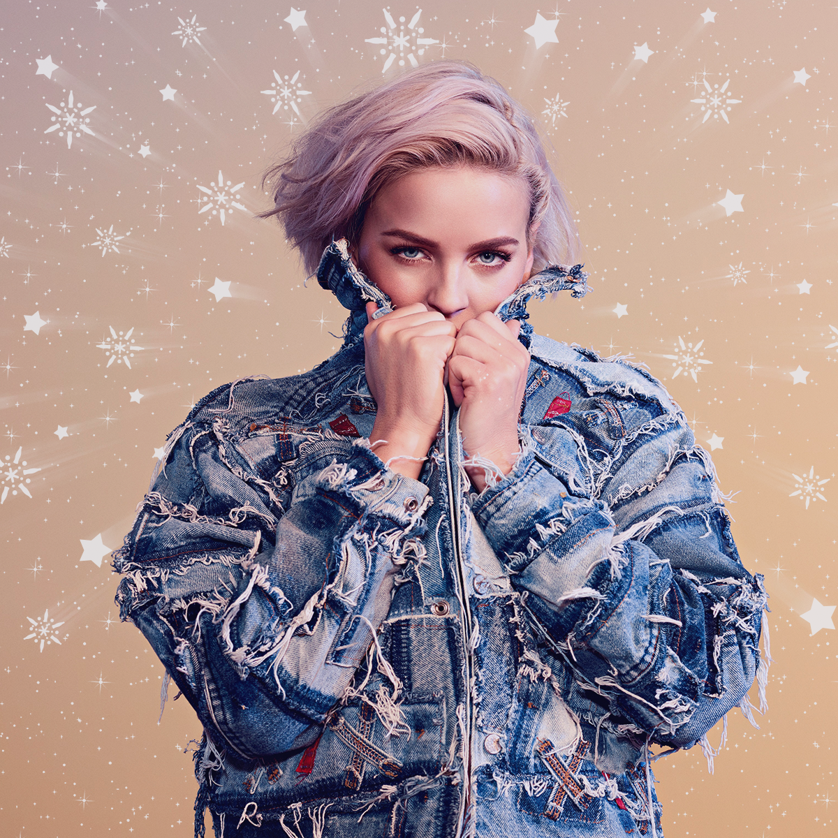 Anne-Marie Jingle Bell Ball Asset