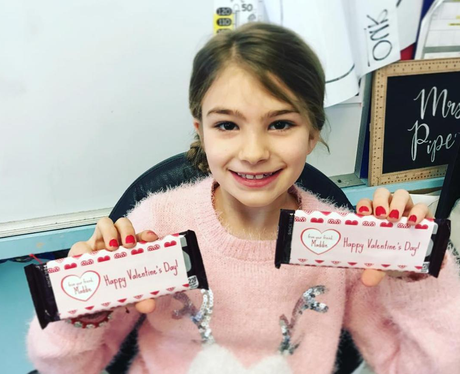Maddie Spears delivers Valentine's Day sweets to h