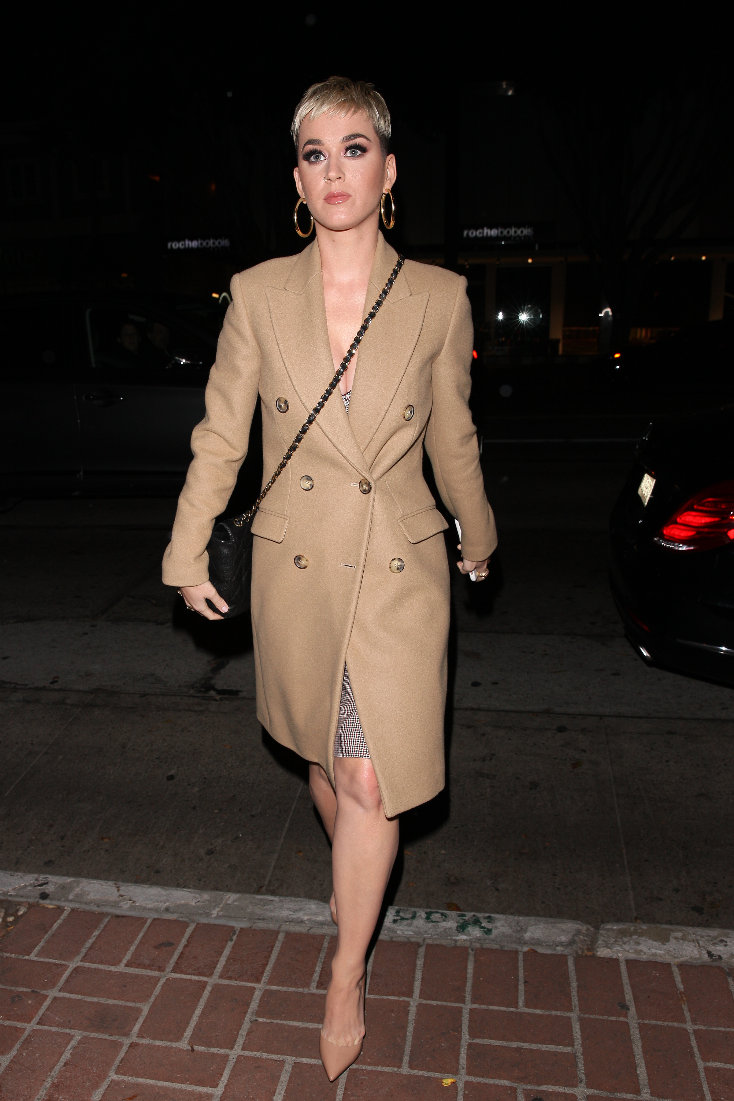Katy Perry arriving at Madeo Restaurant to meet up