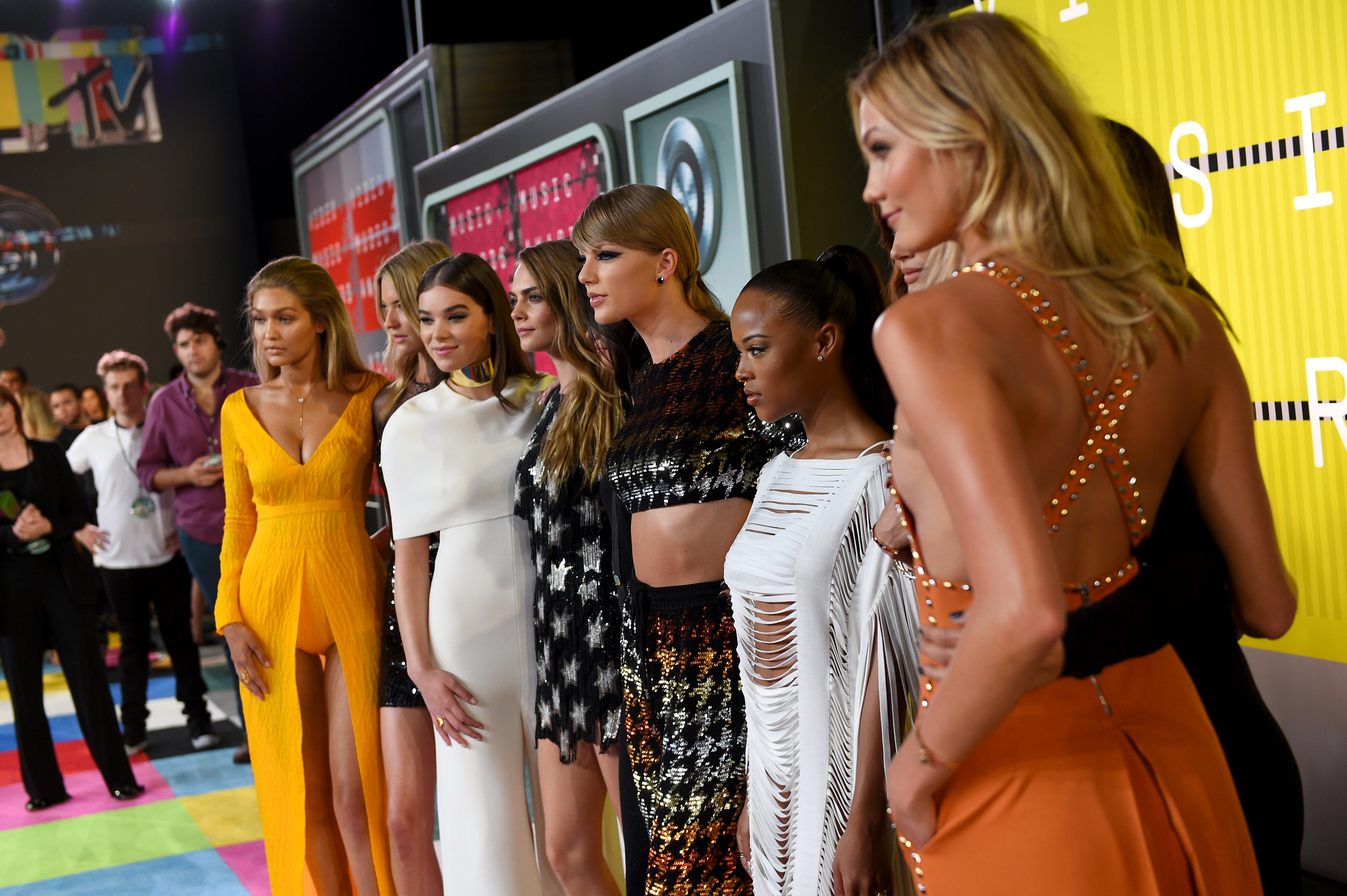 Taylor Swift's Squad 2015 MTV Video Music Awards