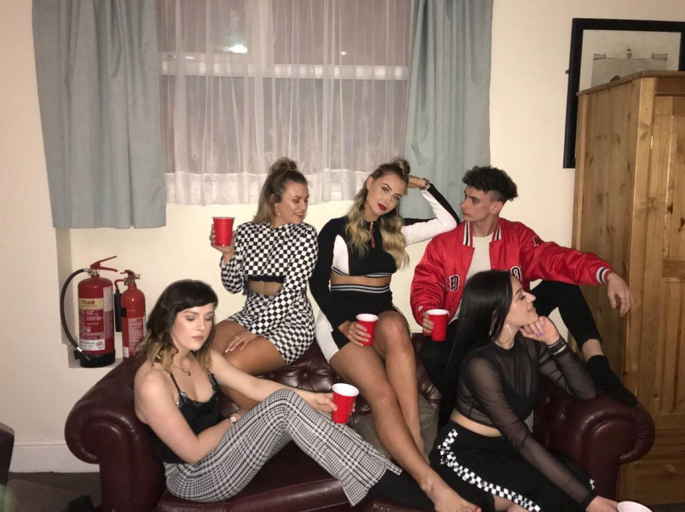Little Mix Fans - Darcy Kitchener