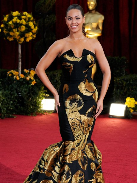 Beyonce at the Oscars in 2009