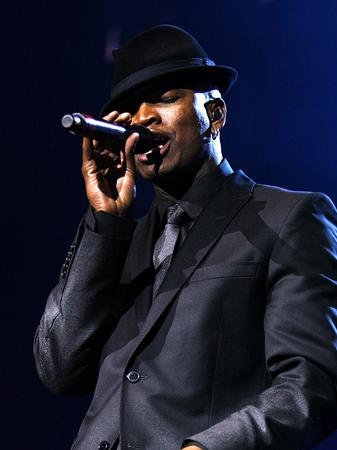 Ne-yo on stage at the Jingle Bell Ball
