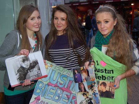 Justin Bieber fans outside Capital