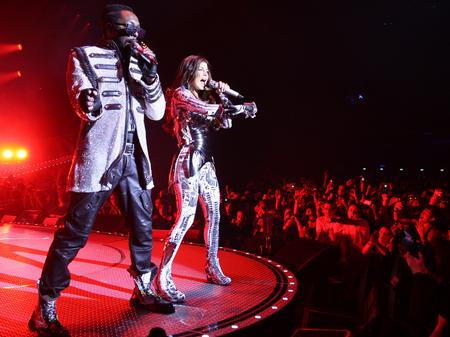 Black Eyed Peas live in Europe
